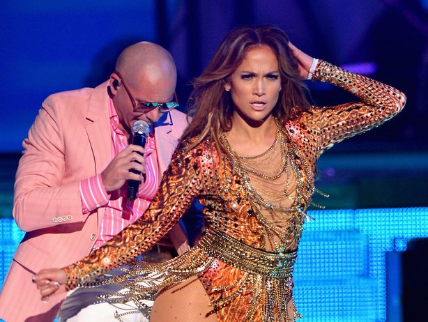 Pitbull and Jennifer Lopez's recently performed at Premios Juventud.